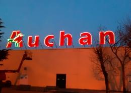 Enseigne hypermarché Auchan