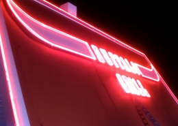Verrerie néon soufflé rouge Buffalo Grill